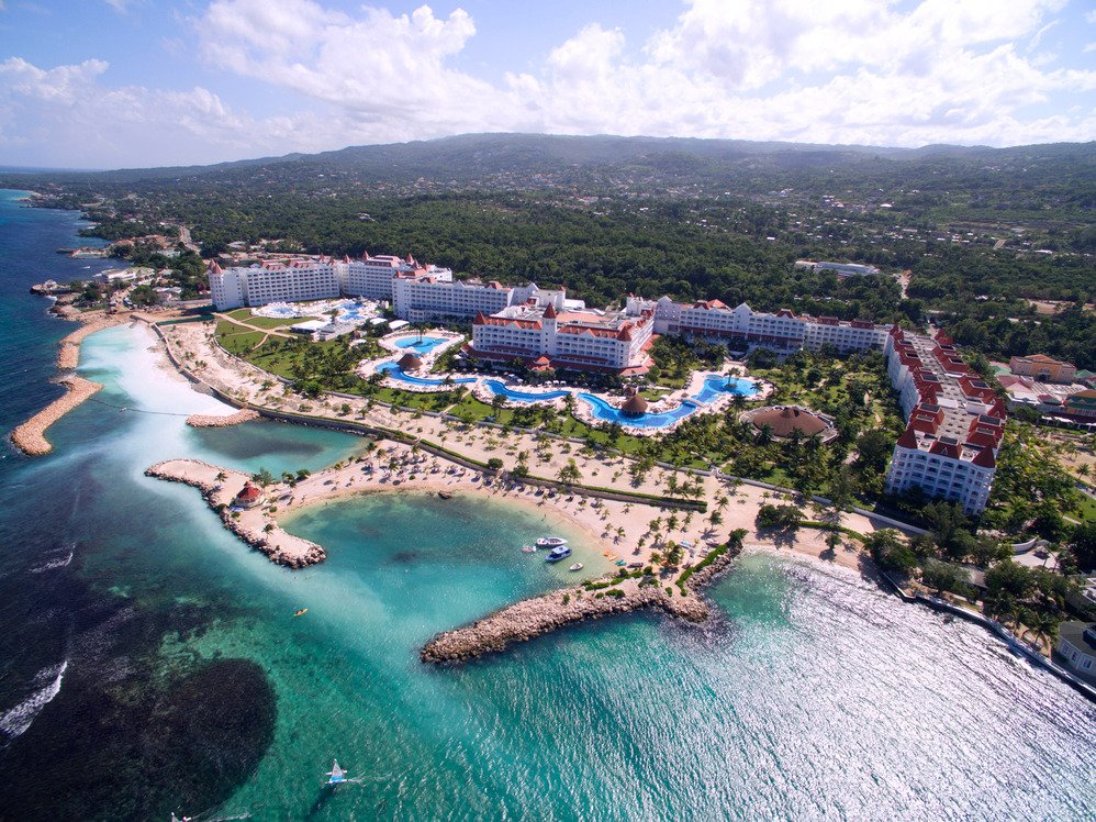 Read more about the article Bahia Principe Luxury Runaway Bay Adults Only All Inclusive